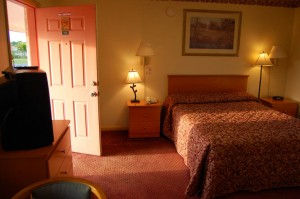 Okeechobee Scottish Inns bed