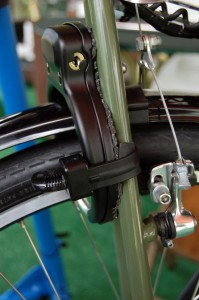 Arbus ring lock installed incorrectly on Surly LHT