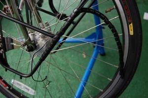 Split tubing protects B&M Lumotec IQ Cyo wiring to SON hub
