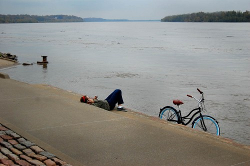 Amy Murphy with Tahiti bicycle on Mississippi River at Cape Girardeau, MO