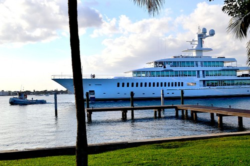 Mark Cubans 88 Meter Yacht Fountainhead from Palm Beach 01 18 2012 0897 500x333 Mark Cubans 288 Foot Yacht Fountainhead