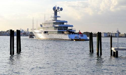 Mark Cuban's 88-Meter Yacht Fountainhead from Palm Beach 01-18-2012